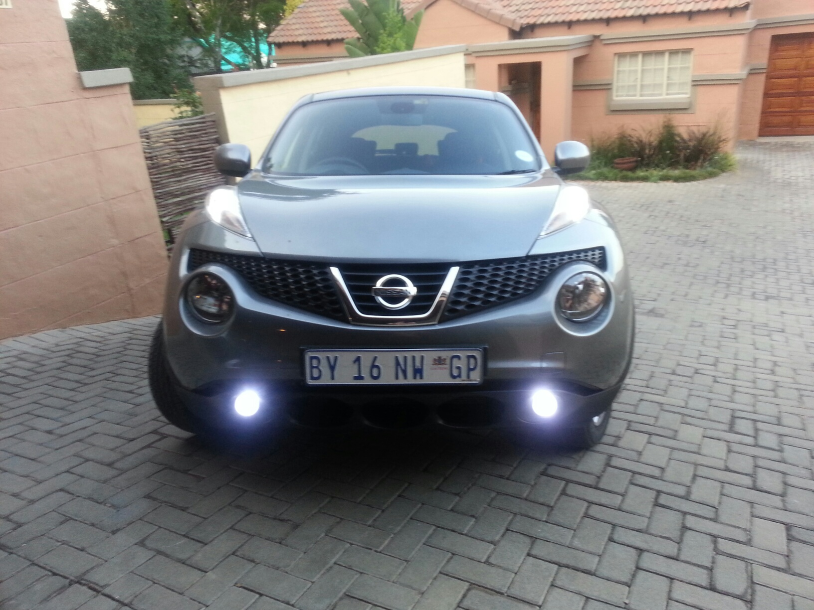 Tweaking your lights leds replacement headlights etc for Nissan juke licht